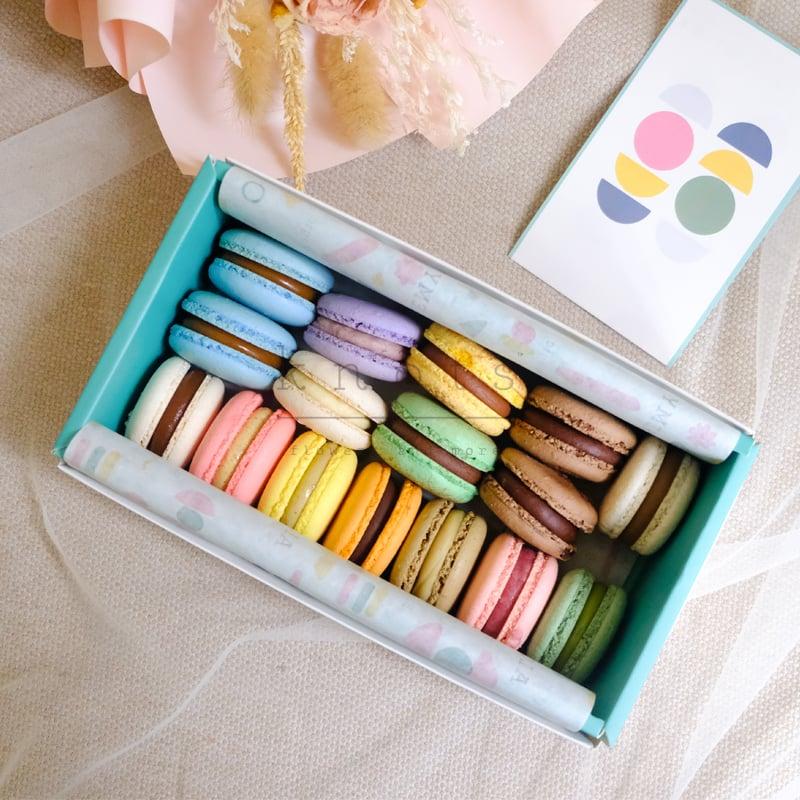 French Macarons (16pcs)