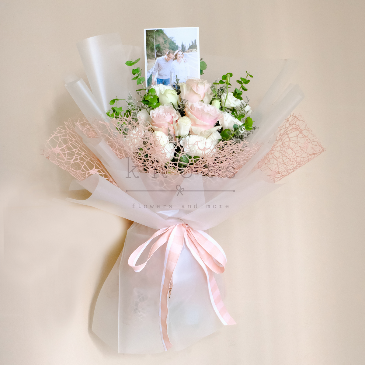 Memory Lane (Light Pink Ecuadorian Roses Bouquet With 4R Photo)