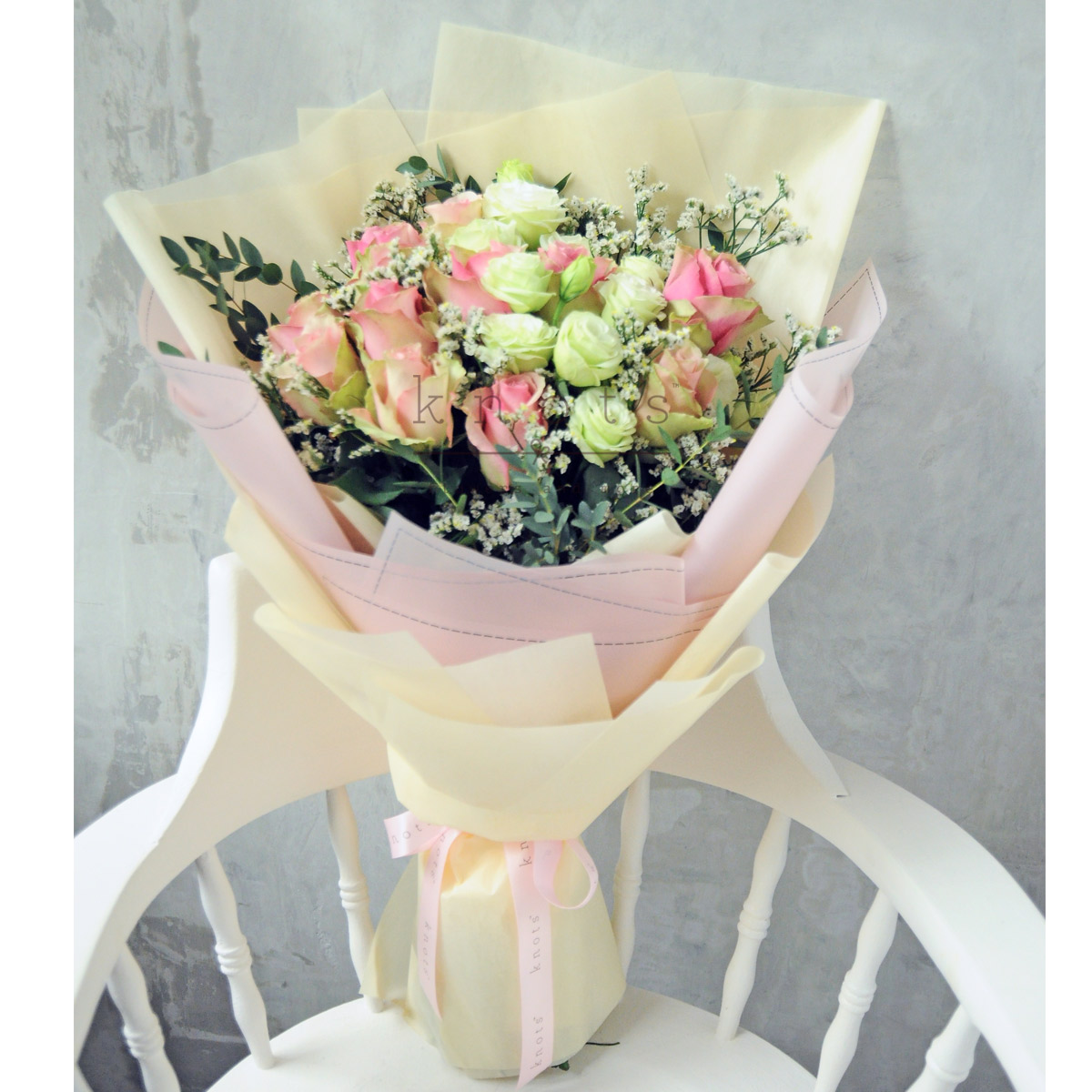 12 stalks pink roses bouquet