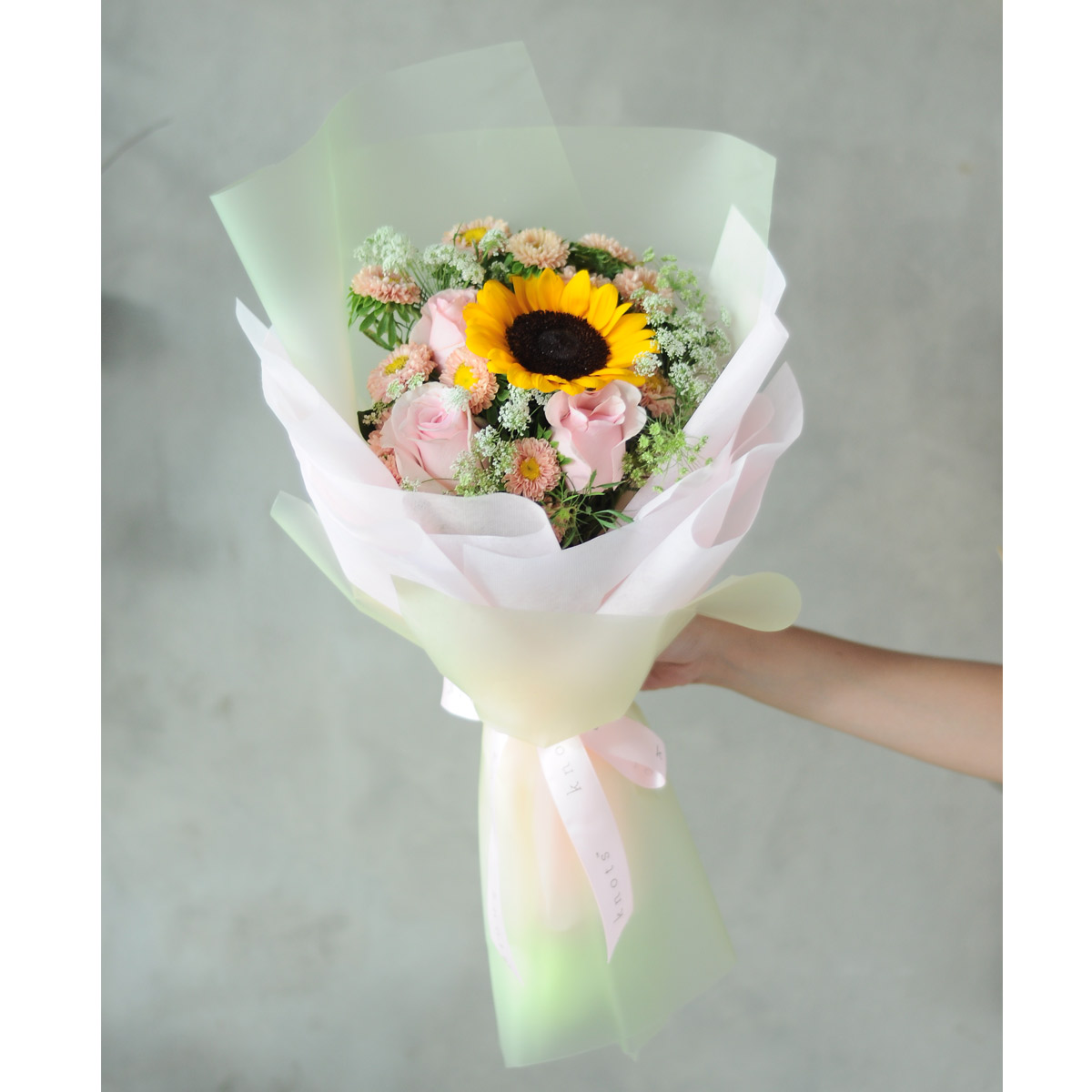 1stalkSunflowerwRosesA_1200