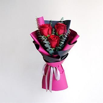 Precious Stare (Red Ecuadorian Roses Bouquet)