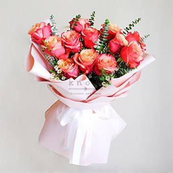 Rosalinda (Red Ecuadorian Roses Bouquet)