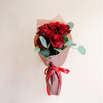 Simply Sophisticated (Red Ecuadorian Roses Bouquet)