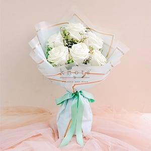 Clementina ( White Ecuadorian Rose Bouquet)