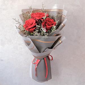 Scarlet Letter (Red Ecuadorian Roses Bouquet)