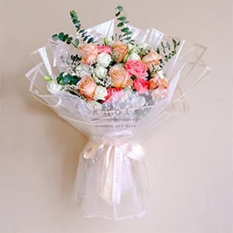 Dazzling Elegance ( Ecuadorian Roses Bouquet)