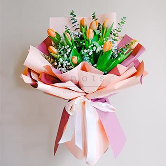 Shimmer Glow (Tulips Bouquet)