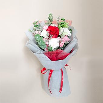 Magical Love (Red Ecuadorian Bouquet)