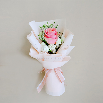 Blushy Lady (Pink Ecuadorian Rose Bouquet)