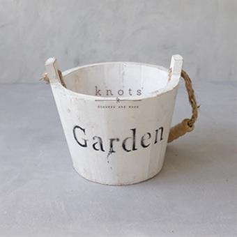 Round Wooden Vase De Garden