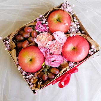 Pleasurable Healing (Fruits & Flower Gift Box)