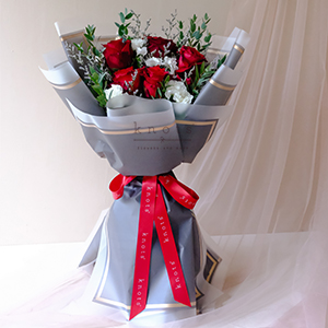 Blooming Love (Red Ecuadorian Roses Bouquet)