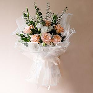 Stunning Blush (Ecuadorian Roses Bouquet)