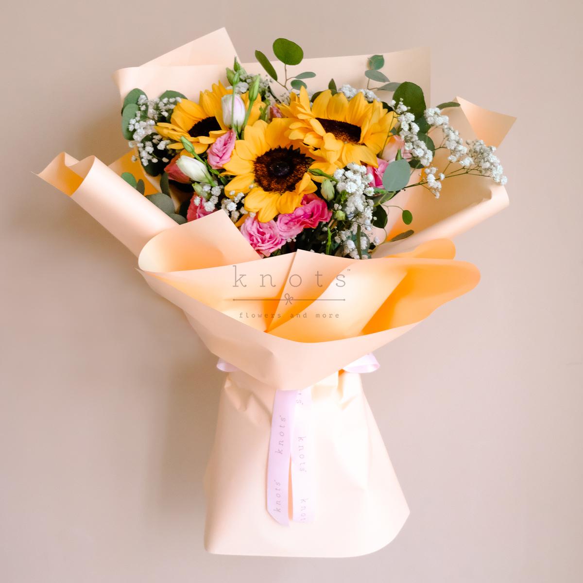 Bubbly (Sunflower Bouquet)