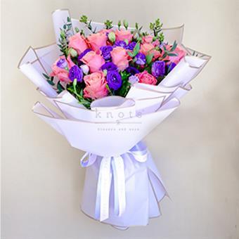 Purple Kisses (Pink Ecuadorian Roses Bouquet)