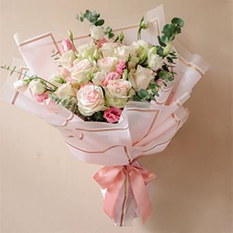 Dulce Amore (Pink Ecuadorian Roses Bouquet)