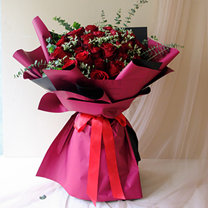 Magically Captivated (Red Ecuadorian Roses Bouquet)