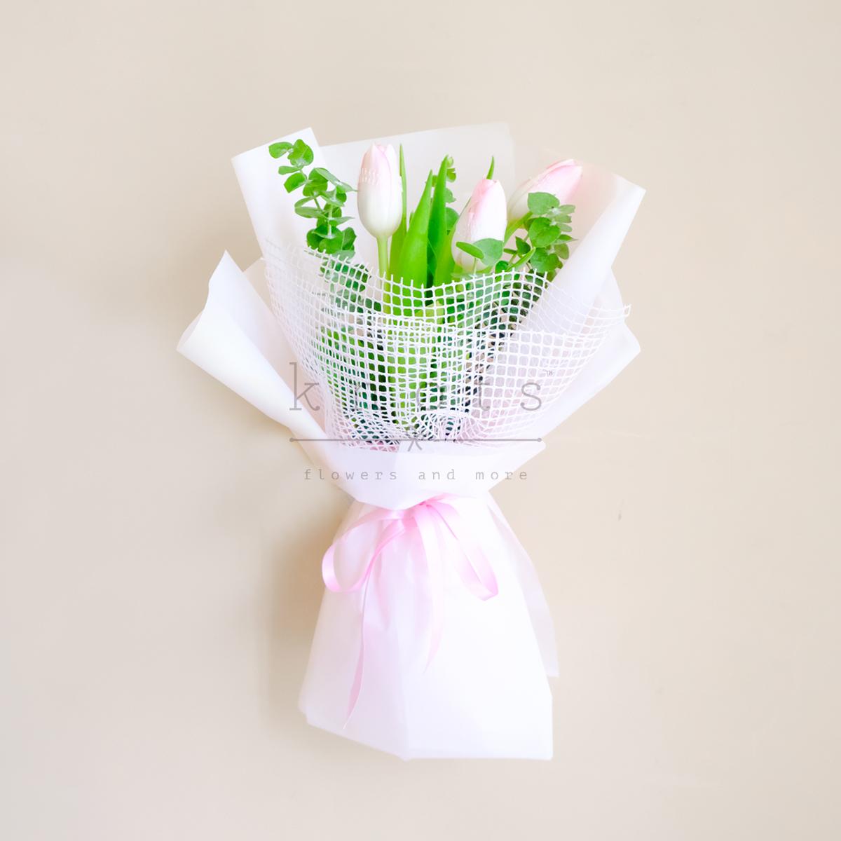 Demi (Pink Tulips Bouquet)
