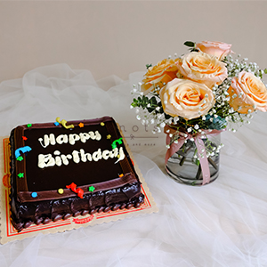 Make a Wish ( Roses Arrangement with Birthday Cake)