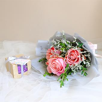 Candy Crush ( Pink Ecuadorian Roses Bouquet with Kisses Chocolate)